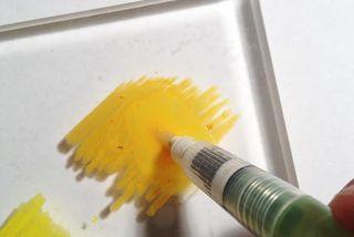 Linda.crayon.3